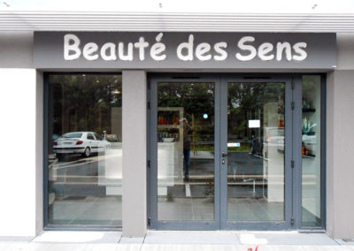 facades-commerce-signaletique-nantes-44-021