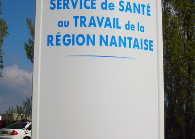 totems-signaletique-nantes-44-011